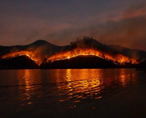 wpływ pożarów na jakość powietrza